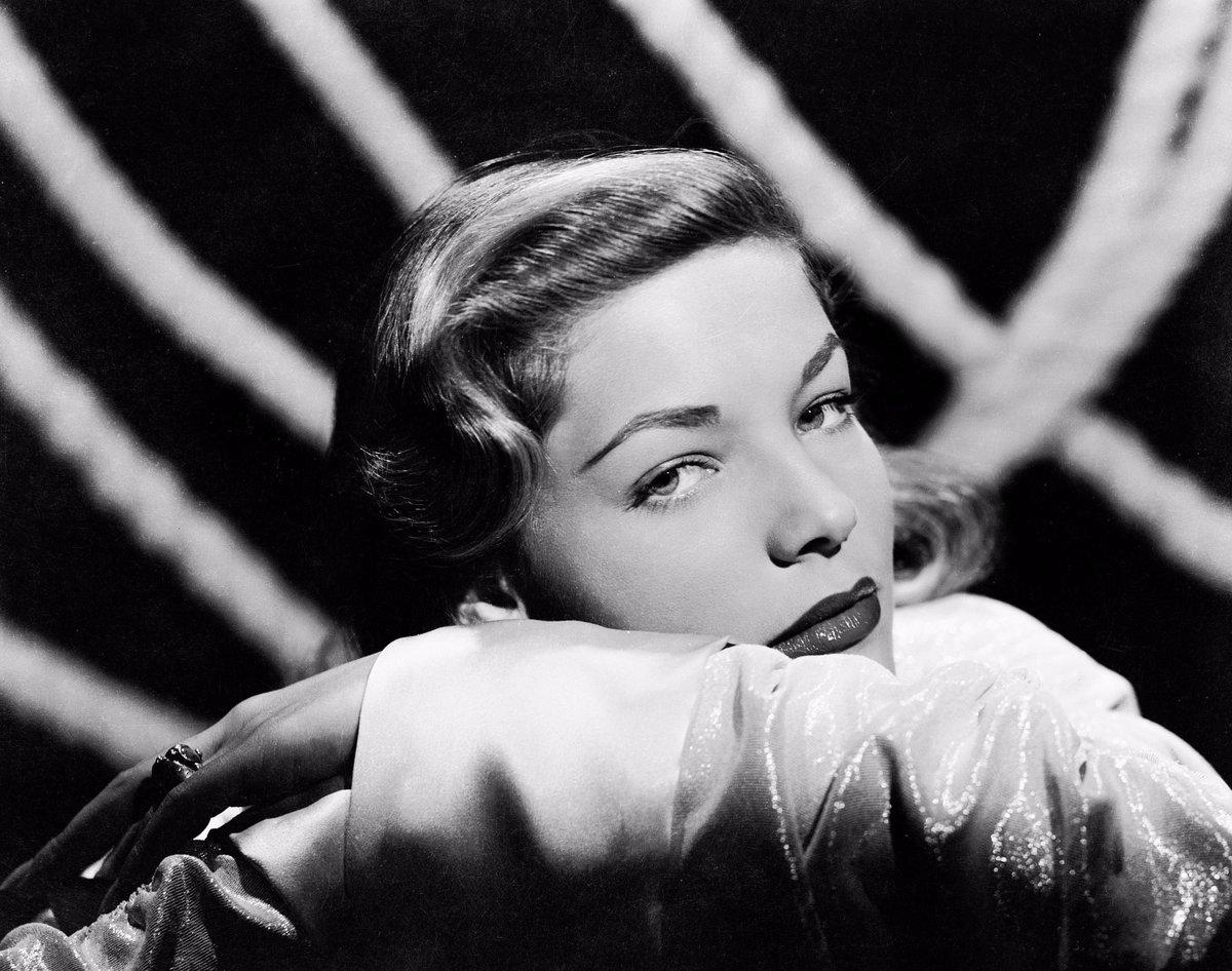 Lauren Bacall #ark #photography #movie #people #laurenbacall https://t...