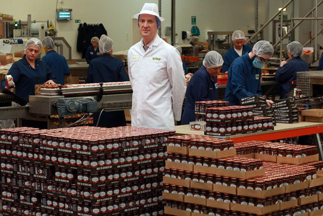Scottish jam &amp; marmalade producer @Mackays_jams to invest £3.8m expanding production at #Dundee factory  http:// bit.ly/2yUVdKg  &nbsp;   #GBmfg<br>http://pic.twitter.com/eBKkpAGLjp