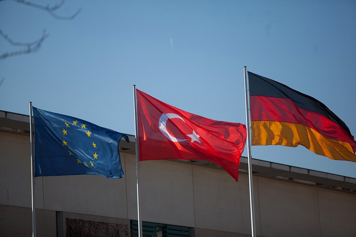 Merkel seeks to cut Turkish accession funding as EU leaders meet https://t.co/b6213PjgoH via @patrickjdo @v_dendrinou