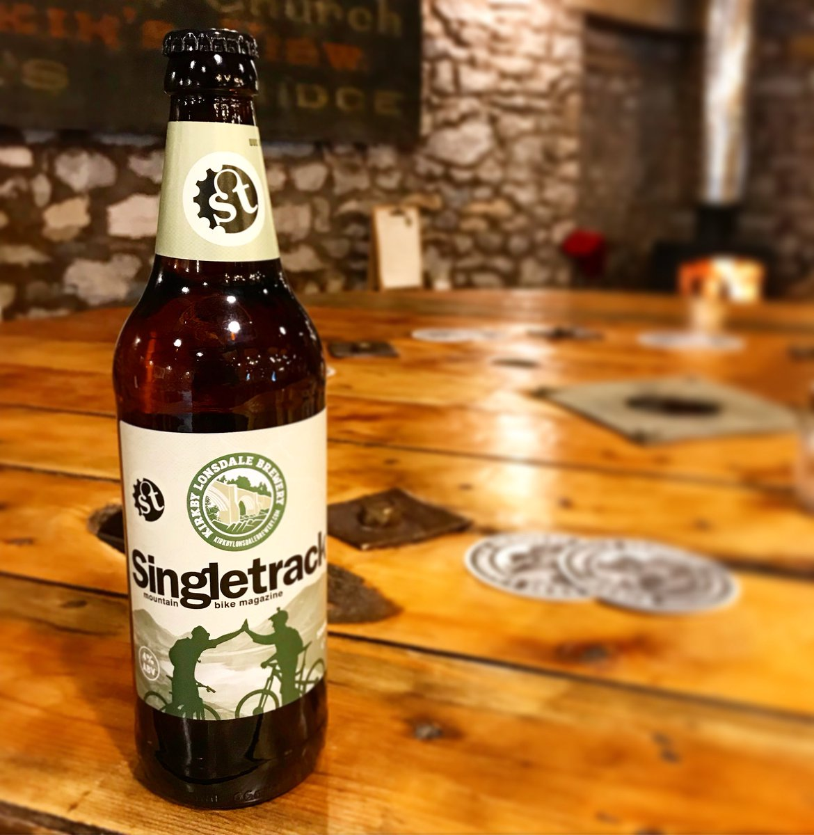 Now available, grab yours while you can Singletrack flowy ale!!  @singletrackmag #bikes #beer #mtb #craftbeer<br>http://pic.twitter.com/dOoV5i4yV4