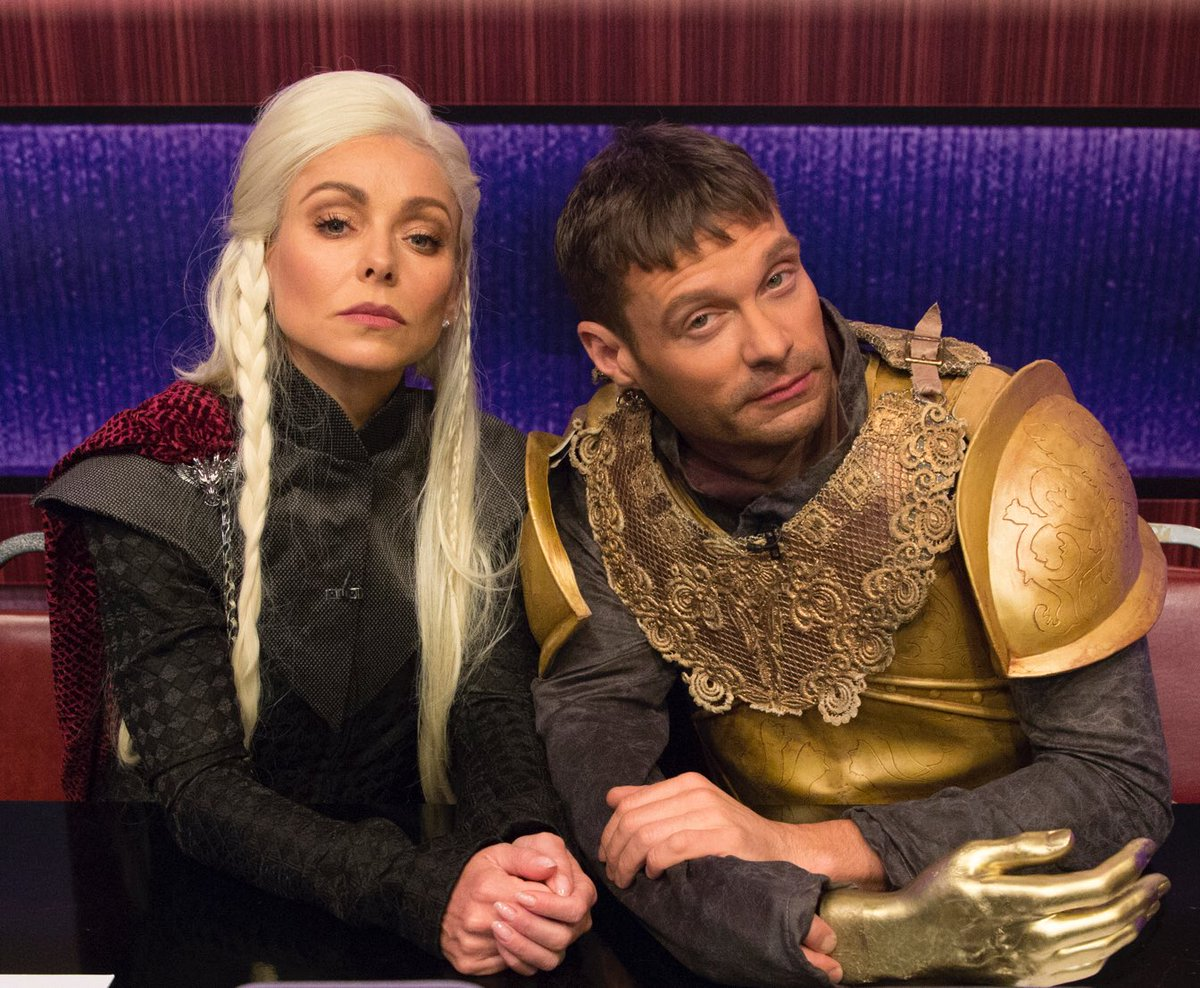 Halloween is coming. #kellyandryan #GOT