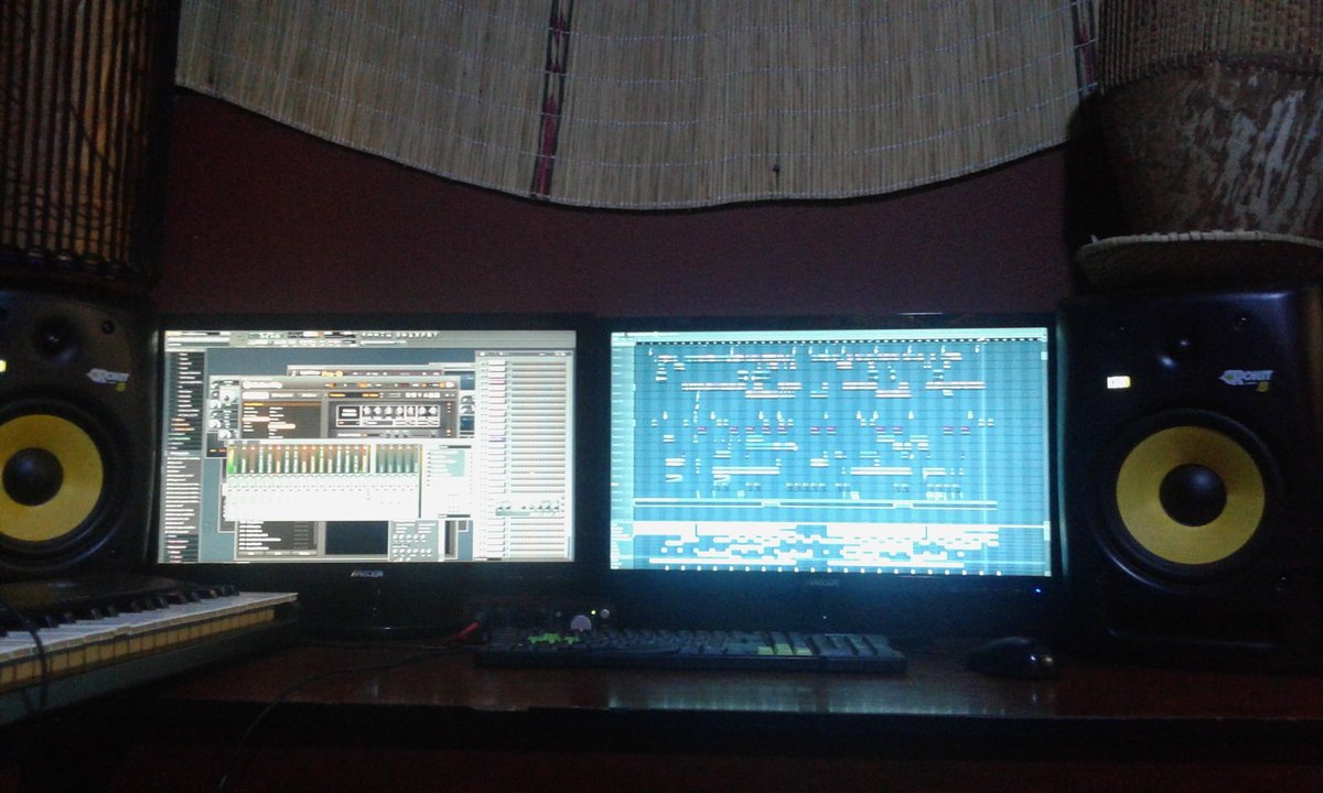 #Studio time.. cooking in the #kitchen more #hits coming soon  #Follow @Afrikanroots1 #music #uktour #ihearyoucalling #rsa #Africa<br>http://pic.twitter.com/zvka4eZuHT