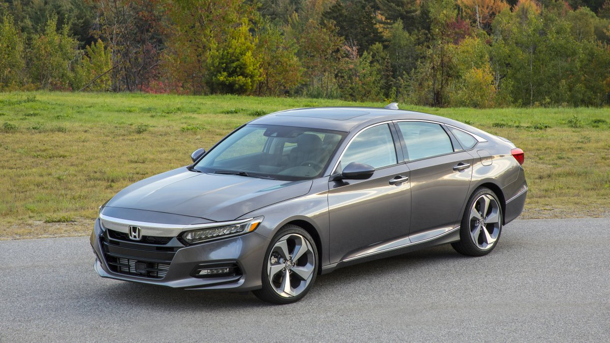 Our first-drive review of the 2018 #HondaAccord: This is the best #Accord @Honda has ever built, period:  http:// bit.ly/2xUaiu2  &nbsp;  <br>http://pic.twitter.com/M7wfeIsHdf