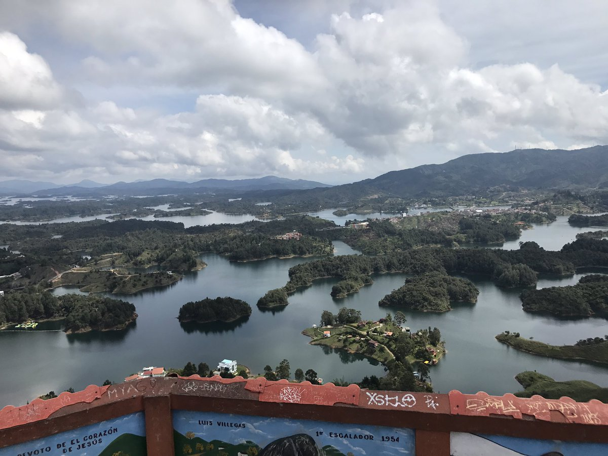 740 steps high and I made it to this beautiful view #guatape #Colombia <br>http://pic.twitter.com/BrESkx86NT