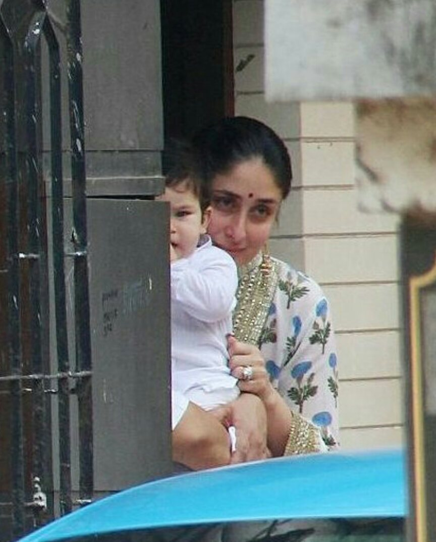 Cuteness overloaded  1st Diwali with #mommy   Love you both   #KareenaKapoorKhan , #motherhood , #cutestkidever , #TaimurAliKhan<br>http://pic.twitter.com/p4ffmQhUH5