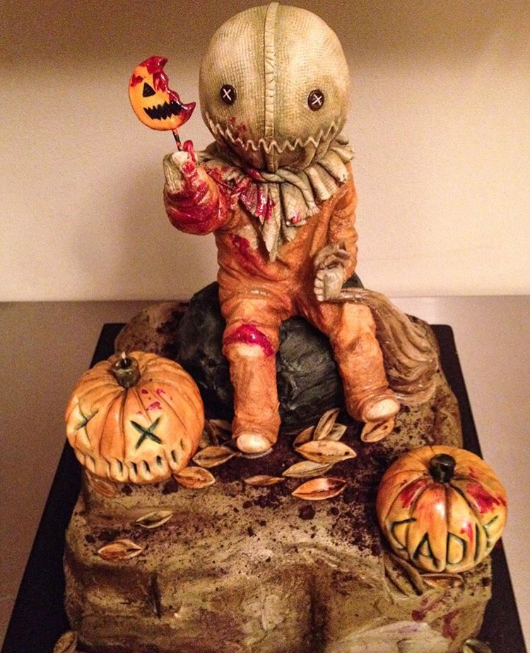 This is a cake. How beautiful is this?! Who'd want to eat it? It's a work of art!  https:// instagram.com/p/BaZJkRMHAM3/  &nbsp;   (sideserfcakes on IG) #HHN27 <br>http://pic.twitter.com/6FVXRyxwLz