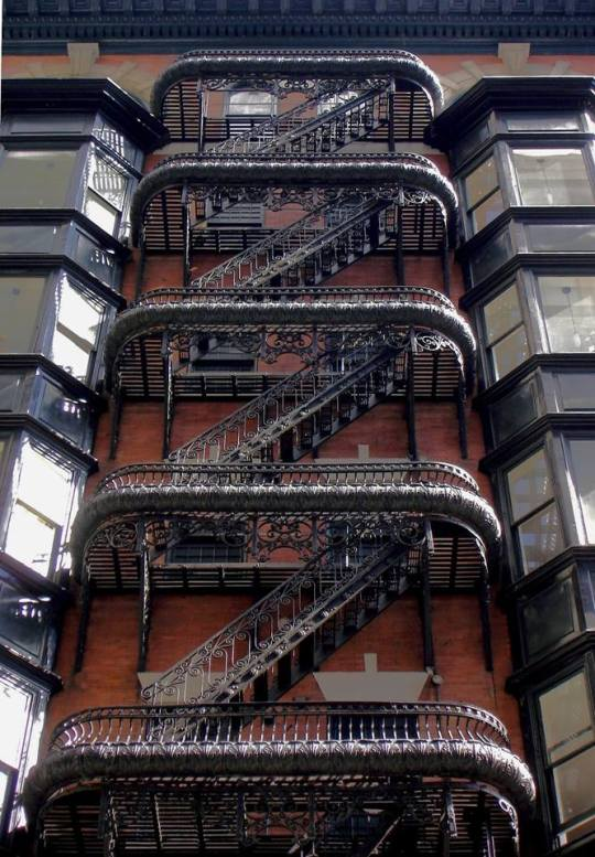 #Design Awesome of the Day: #Steampunk-ish #Gothic Inspired Fire Escape, #Philadelphia via @Steampunk_T #SamaPlaces
