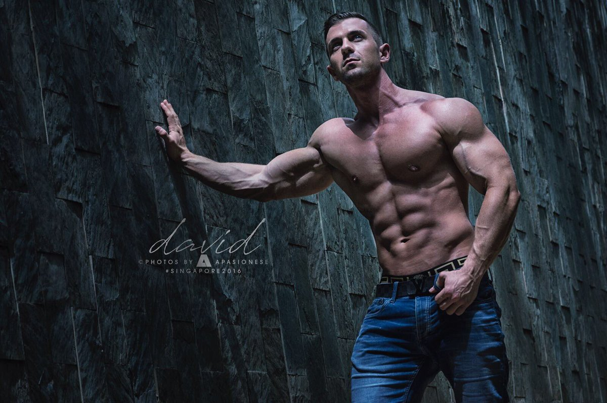 A little preview of @apasionese latest edit from Singapore! #fitnessmodel <br>http://pic.twitter.com/iCWT4T7ZZz
