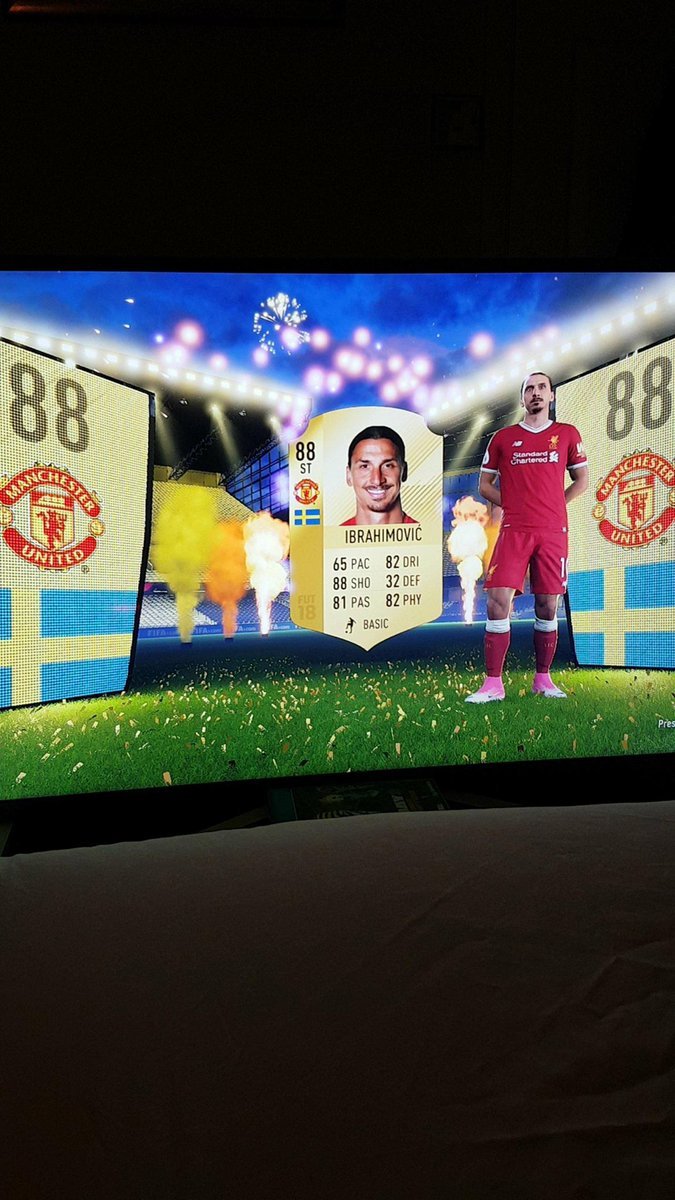 Eyyyyyyy man&#39;s pack luck this year  #fifa18  #ultimateteam #zlatan #Ibrahimovic<br>http://pic.twitter.com/Cqr0mST88k
