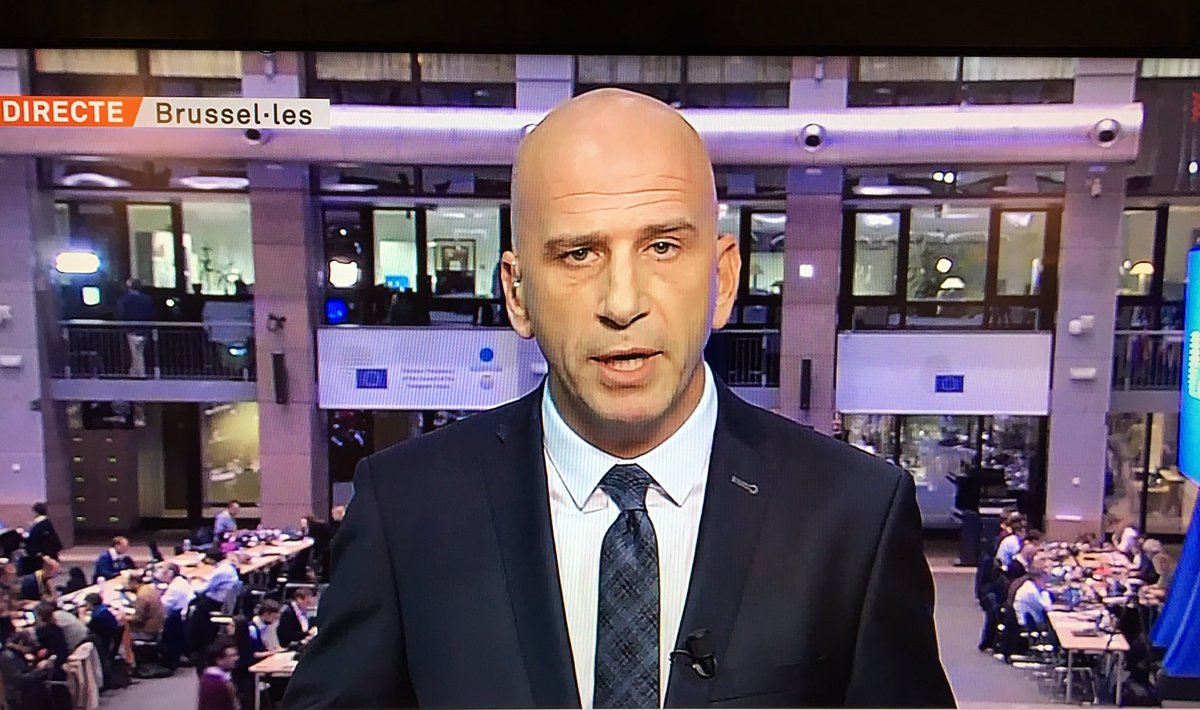 """Diu @xavicoral: """"Aquí a Brussel.les tothom parla de Catalunya excepte Mariano Rajoy."""" https://t.co/Z5E6PPzUOW"""