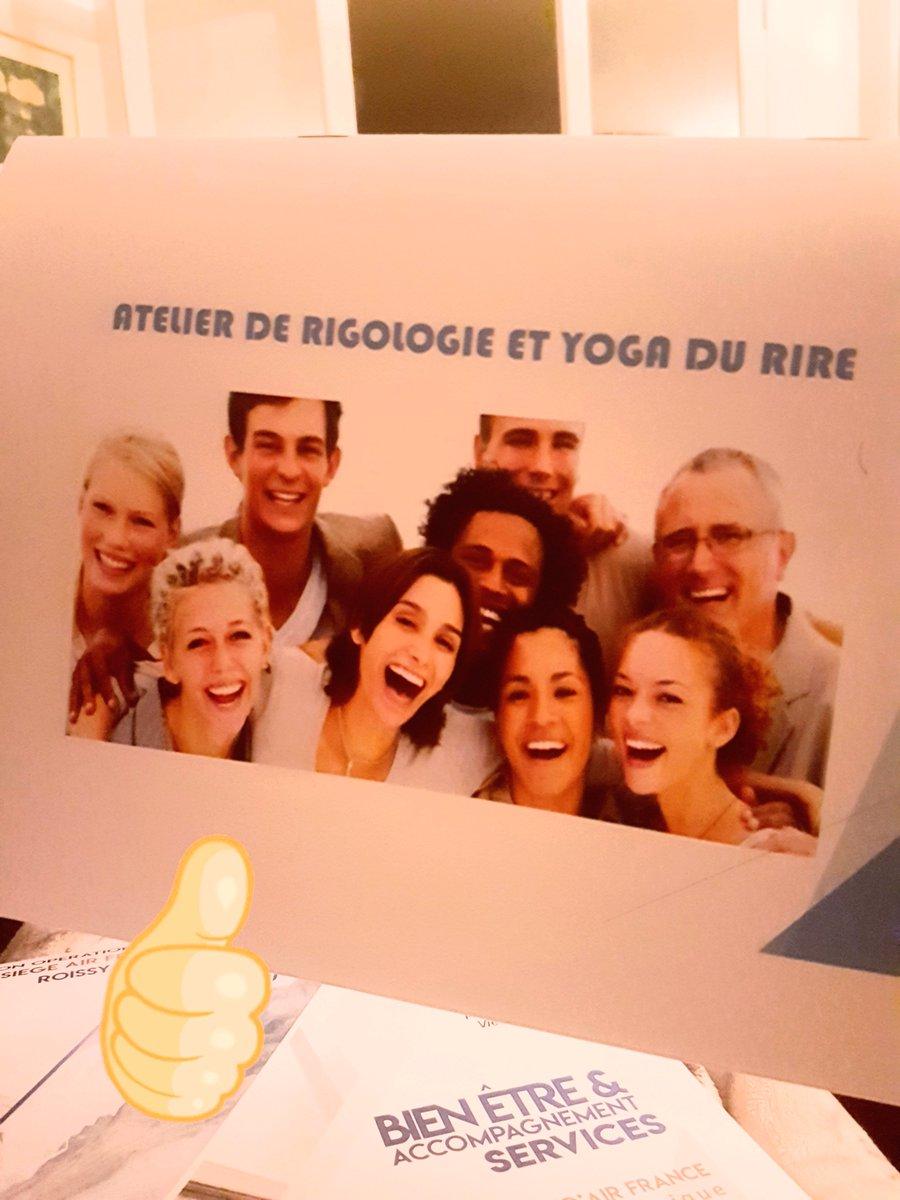 Bonheur au travail! #CHO #qvt #team #sourires #contact #smile #happy #rigologie #ateliers #yoga #rire #rires #balancetonporc  - FestivalFocus