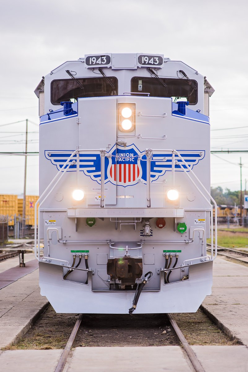 union pacific on twitter say hello to union pacific locomotive no