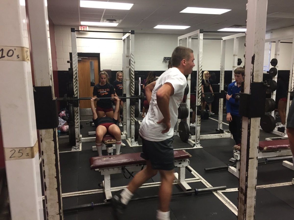 We see you @FSUSWrestling and @FLHighCheer  #Gainz <br>http://pic.twitter.com/xgoV53o3qU