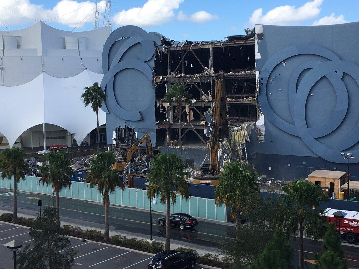 Moment of silence for DisneyQuest https://t.co/6NPKOpBkdf