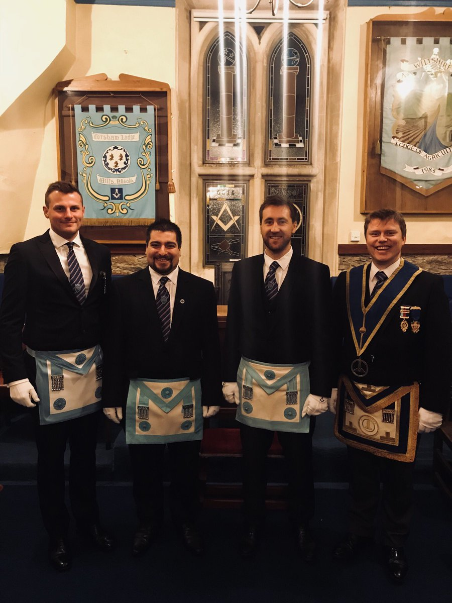 Congratulations to Bro Kalogerou on being passed to the Third Degree tonight! We're glad to have been able to witness your special night! #brothers #sarsenclub #wiltshire #corsham<br>http://pic.twitter.com/R2xyCqelRW