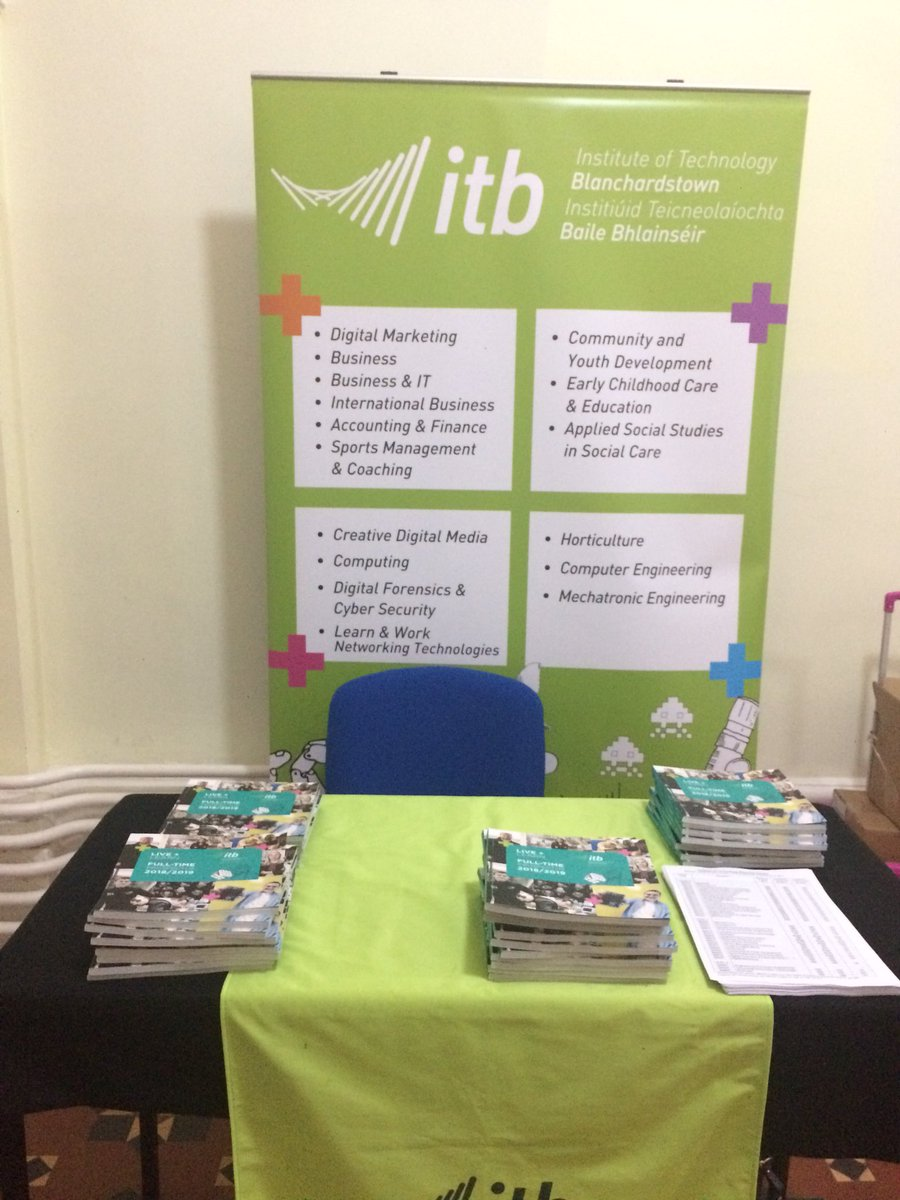 Busy night at Castleknock College Careers Fair  @itbdublin @castleknockcoll #CAO #ITBeverywhere<br>http://pic.twitter.com/uo6CJtUMik