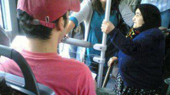 Uzmanlar konuştu: Toplu taşımada yaşlıla...