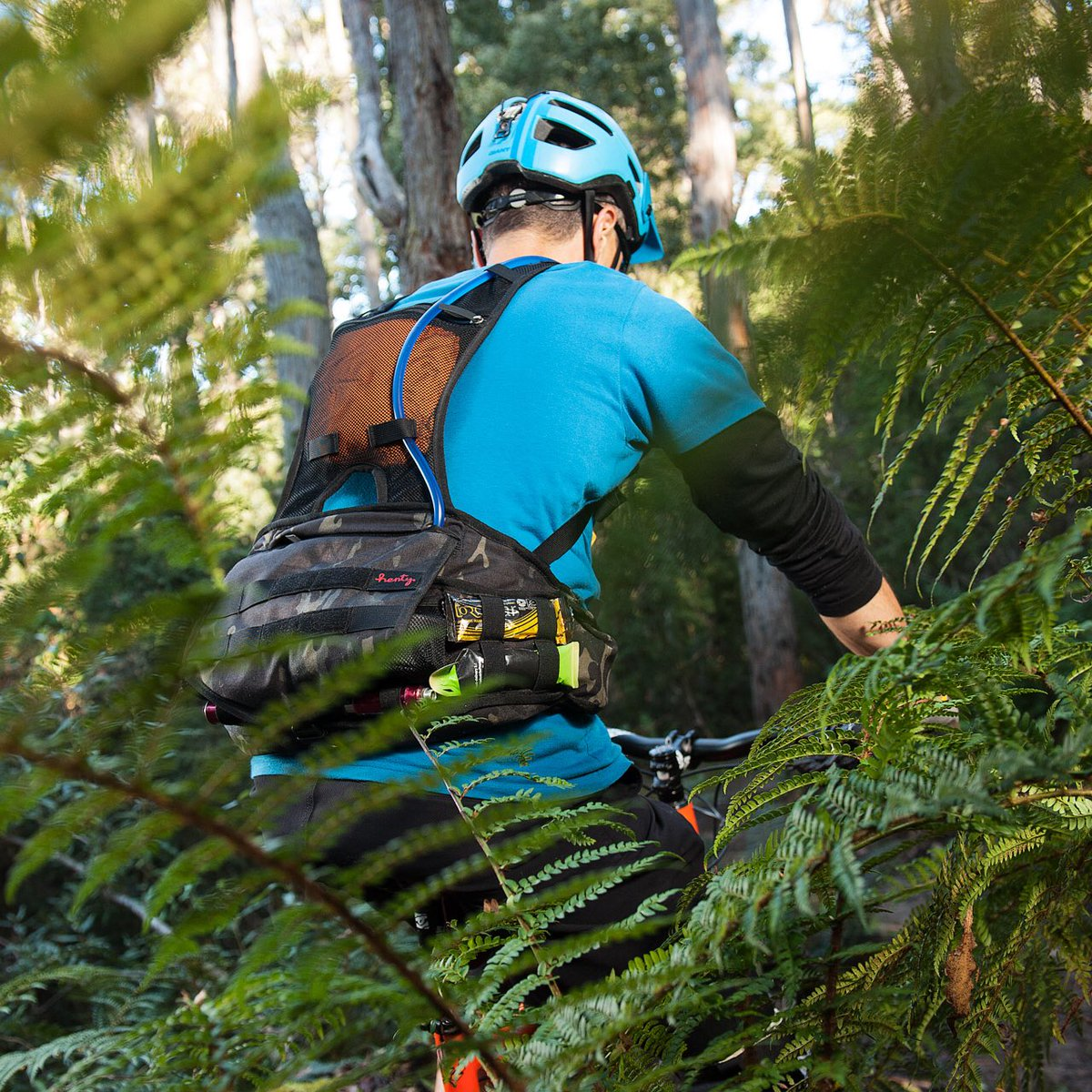 The Enduro pack from @hentydesigns is one tough contender in the hip pack contest! #mtb #gearreviews<br>http://pic.twitter.com/xIN42nBoCG