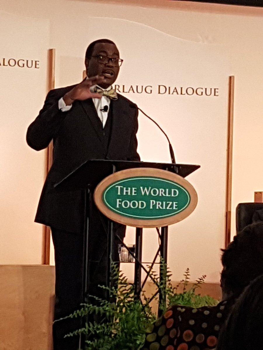 President @akin_adesina #worldfoodprize 2017 Laureate dedicates his $250K prize to #youth grants @AfDB_Group<br>http://pic.twitter.com/Skyt8CvzkQ