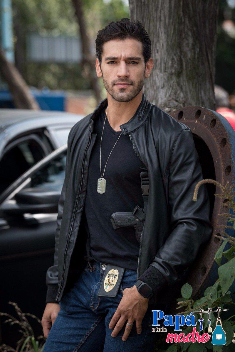 ¿Quién quiere que la arreste #Rodrigo @Raucoronado? El ya está listo p...