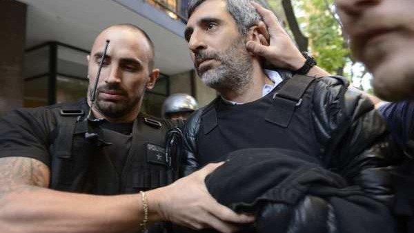 Video: 'chorro, chorro', los gritos cuando detenían a Roberto Baratta...