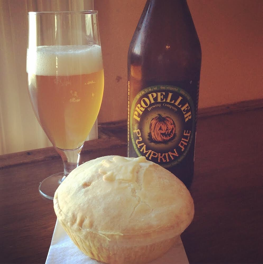 Stop in on Saturday for #CityHarvest and sample @propellerbeer Pumpkin Ale #pie #beer #local #food #drink @bylocaldartmouth @ILOVELOCALHFX<br>http://pic.twitter.com/USolWOhhyy