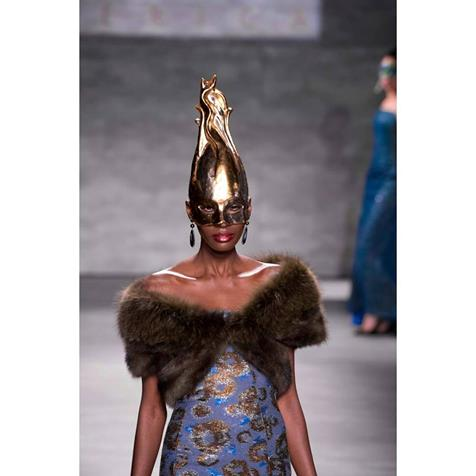 You either know fashion or you don't. B Michael Influencing the Standard of  American Luxury #timeless #style #runway #NYFW @CFDA #Couture <br>http://pic.twitter.com/LADa4txlCY