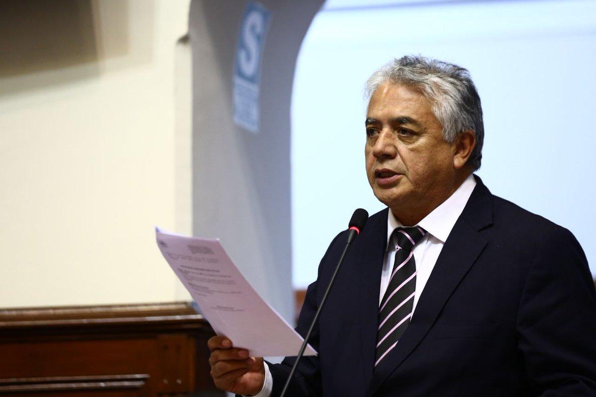[AHORA] Pdte. Comisión de Salud sustenta #PL que regula el uso medicin...