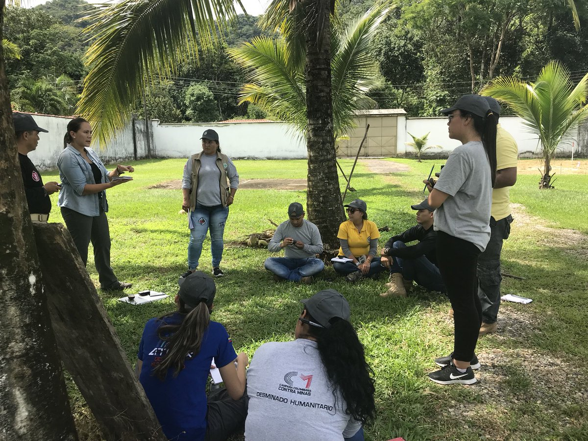 The NTS course in #Colombia continues with practical exercises using GPS, laser range finders and compasses #MineAction<br>http://pic.twitter.com/O1UIerQfT1