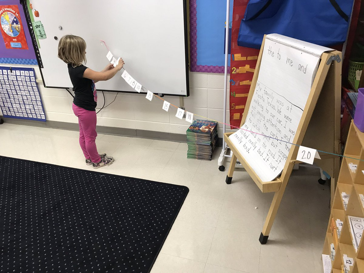 Ordering numbers on an open number line  #fesfamily17 #fes2017  #math #numbers #firstgrade #learnbydoing<br>http://pic.twitter.com/41vOkIuqrD