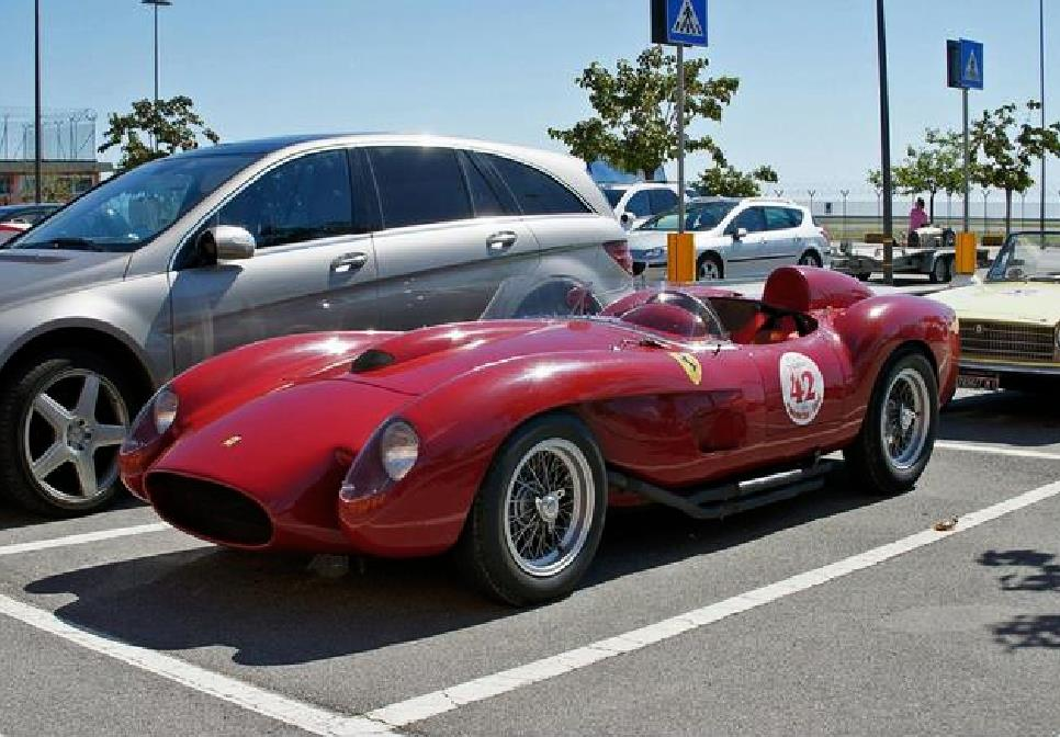 #FerrariFriday #Ferrari #Ferrari250 #TESTAROSSA #Scaglietti #Thirtyfour #TestaRossa250&#39;s built 1956 through 1961 #RussellsTransport #Classic<br>http://pic.twitter.com/FNsfv1byz6