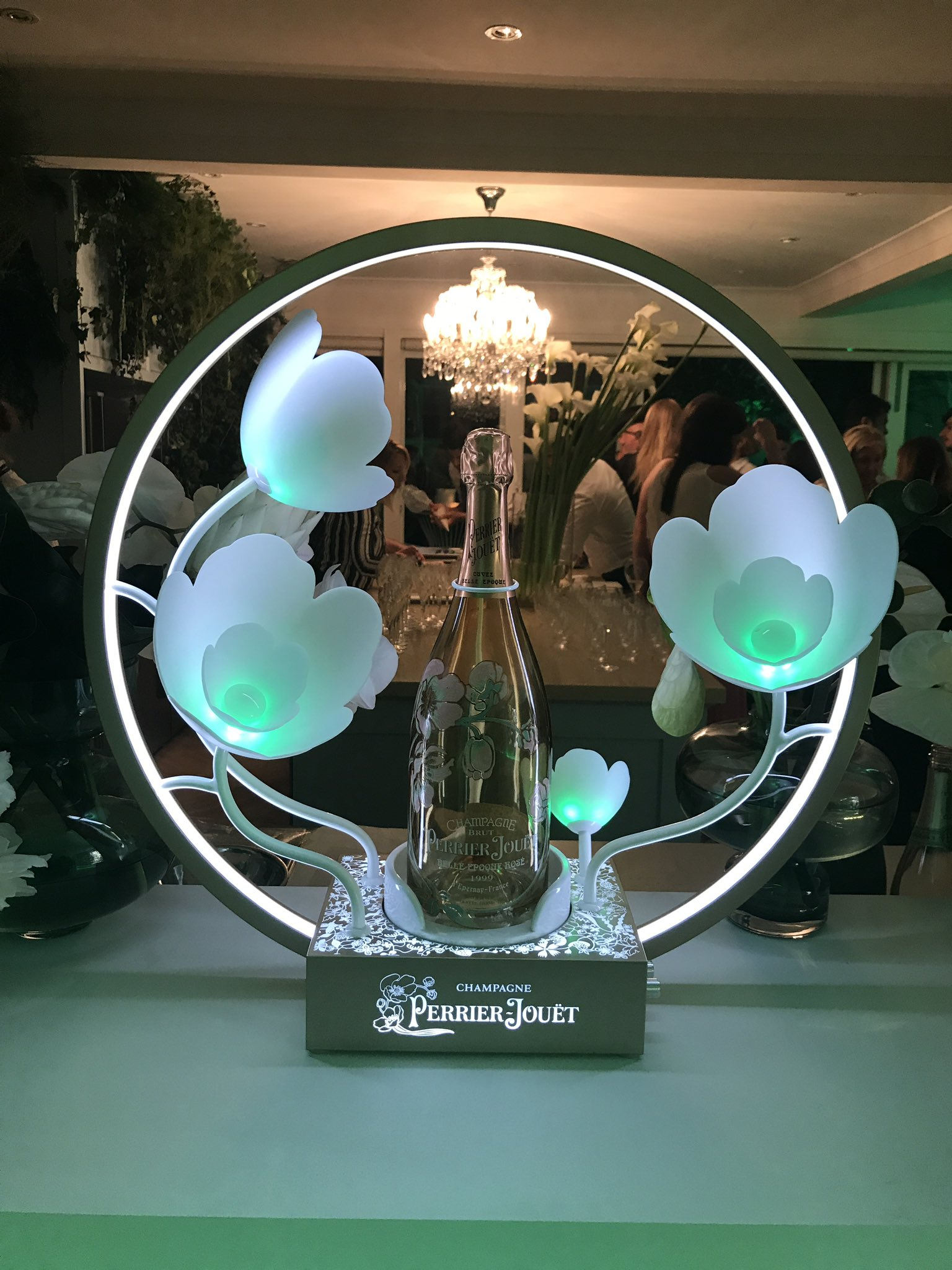 It's Friday.... @perrierjouet https://t.co/htb9hNxSG6