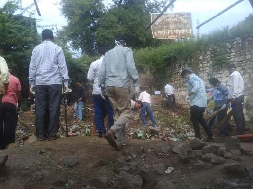 A special cleanliness drive was carried out by the Indapur Nagar Parishad in #Maharashtra  #MyCleanIndia<br>http://pic.twitter.com/LOB8urQS28