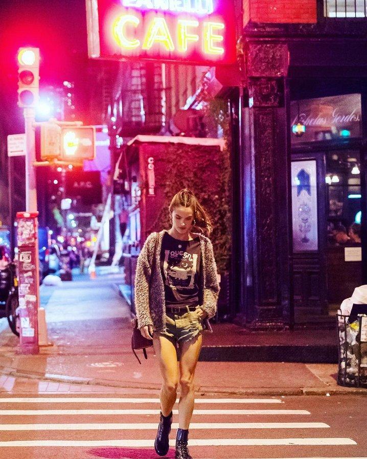 NYC nights ✨ #streetstyle https://t.co/t7FzgSU43n