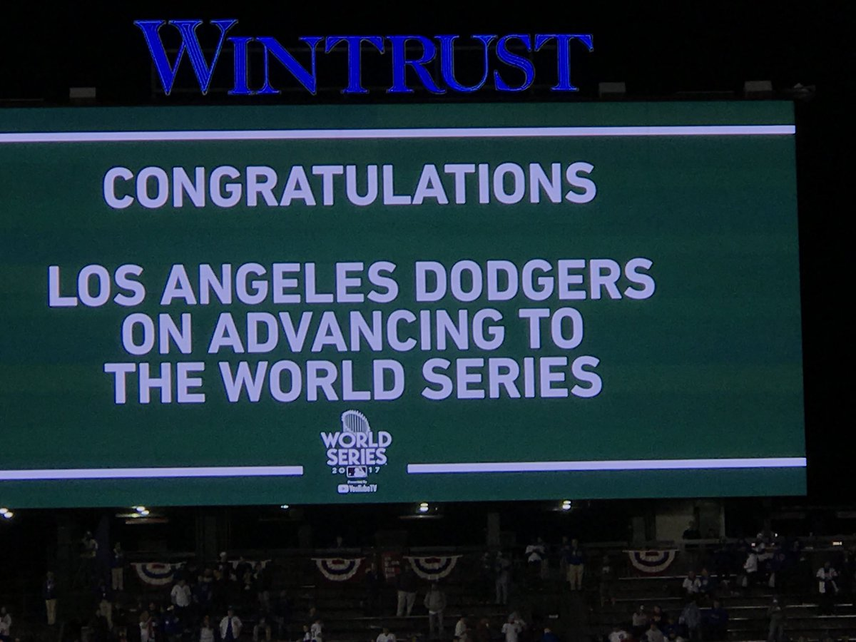 #Dodgers are going to the World Series!! Sign at Wrigley <br>http://pic.twitter.com/Y3fjPle9UT