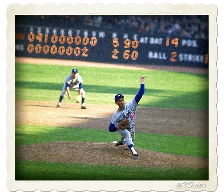 #Dodgers Sandy Koufax in the 9th inning of his amazing 15 strikeout World Series performance vs. #Yankees (October 1963) #MLB #WorldSeries <br>http://pic.twitter.com/GzTVUGUdbe