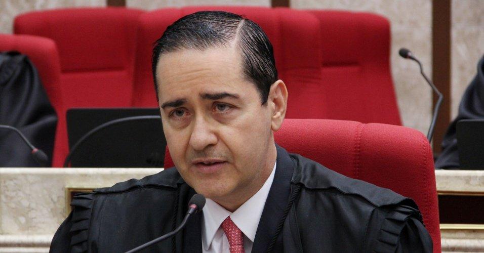 Presidente de tribunal da Lava Jato | Prisão após a 2ª instância atende à sociedade, diz desembargador https://t.co/sfCKQEfrLH