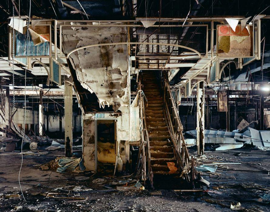 To Save Retail, Let It Die:  http:// bit.ly/2yC4nu8  &nbsp;  via @RetailProphet#retailcc. @bucheli@thlang@vsvch<br>http://pic.twitter.com/T443FidSOq