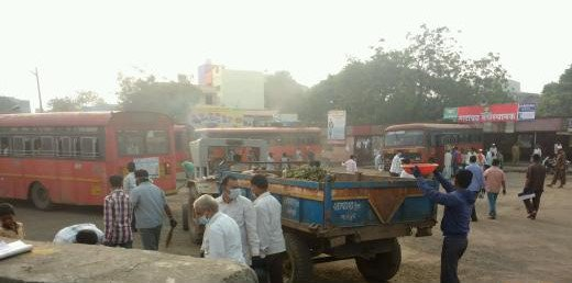A waste collection drive from commercial areas was conducted by the Mhaswad Municipal Corporation in #Maharashtra  #MyCleanIndia<br>http://pic.twitter.com/NQTycMrNbI