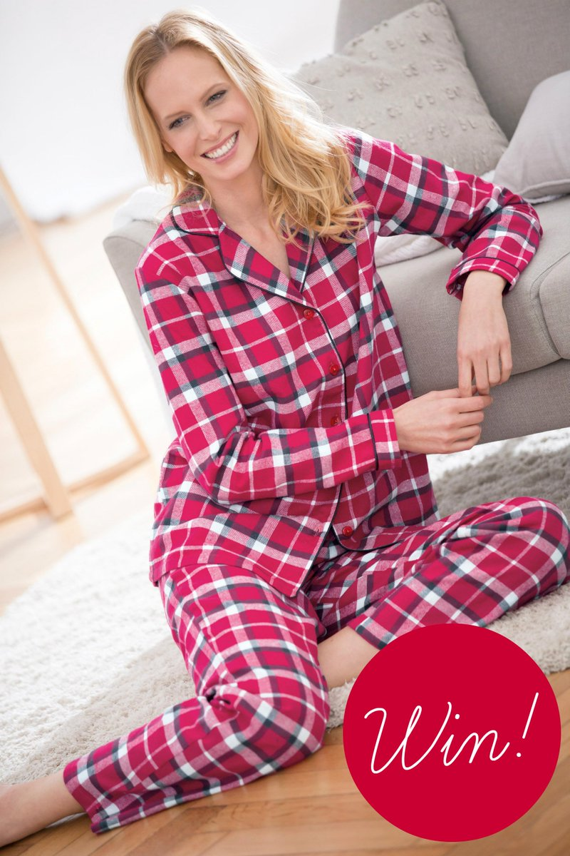 To be in with a chance of #winning a pair of our gorgeous pyjamas simply follow &amp; RT! Ends 27/10 12pm T&amp;Cs:  http:// bit.ly/2d3zwey  &nbsp;   #comp <br>http://pic.twitter.com/Mf80faV2Jh