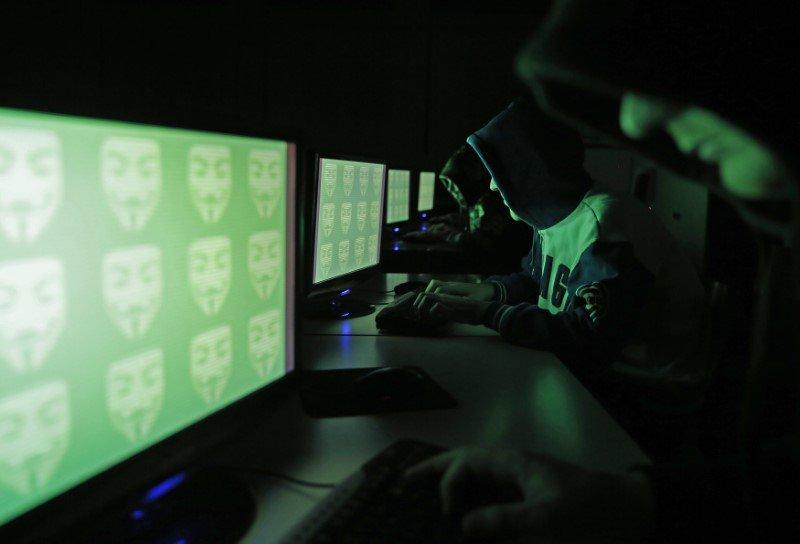 """Rising #Hacker threat will trigger boom in #CyberCrime insurance, Tryg says""  http:// reut.rs/2fJYTmf  &nbsp;   #CyberInsurance #CyberSecure<br>http://pic.twitter.com/e7DM9WykDZ"