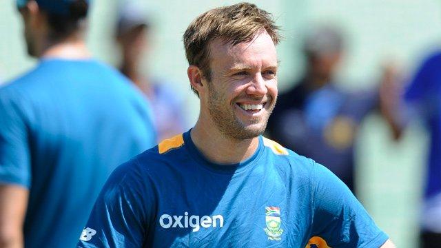 ICC ODI Rankings: AB de Villiers pips Virat Kohli to take the No.1 spot among batsmen https://t.co/dOXcrDRPMV