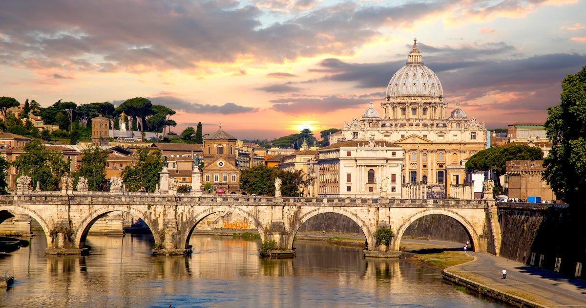 13enne si butta giù dalla finestra di una scuola a Roma. Muore poco dopo https://t.co/mp3Og57xjB