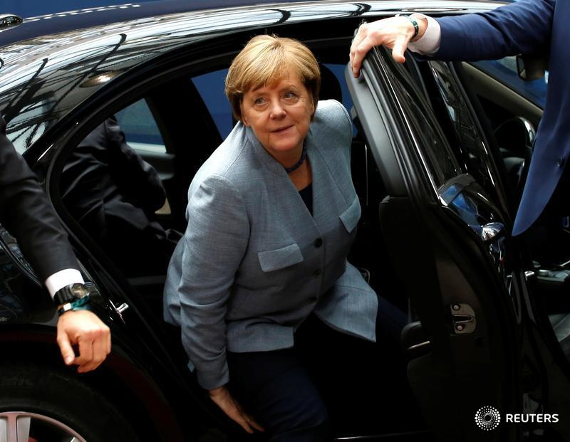 'Absurd': Merkel dismisses reports of #Brexit talk breakdown, sends positive signal to May https://t.co/iOCe41swPQ @piperliza @noahbarkin