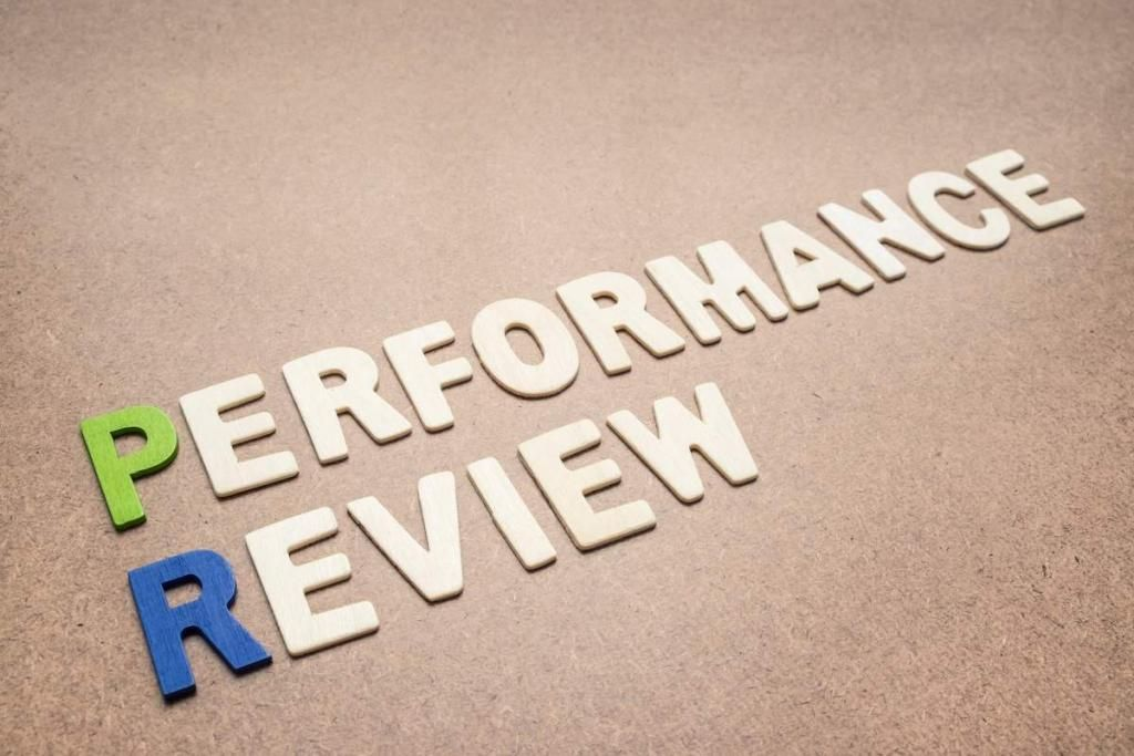 How to Create a Remarkable Employee Performance Review System  https:// buff.ly/2x9U9gO  &nbsp;   via @ezclocker #smallbiz #hr <br>http://pic.twitter.com/5skVWuTw94