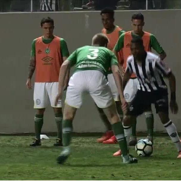Robinho che fai? L'ex Milan umilia un avversario della Chapecoense - https://t.co/UyqPZVmM1c #blogsicilianotizie #todaysport