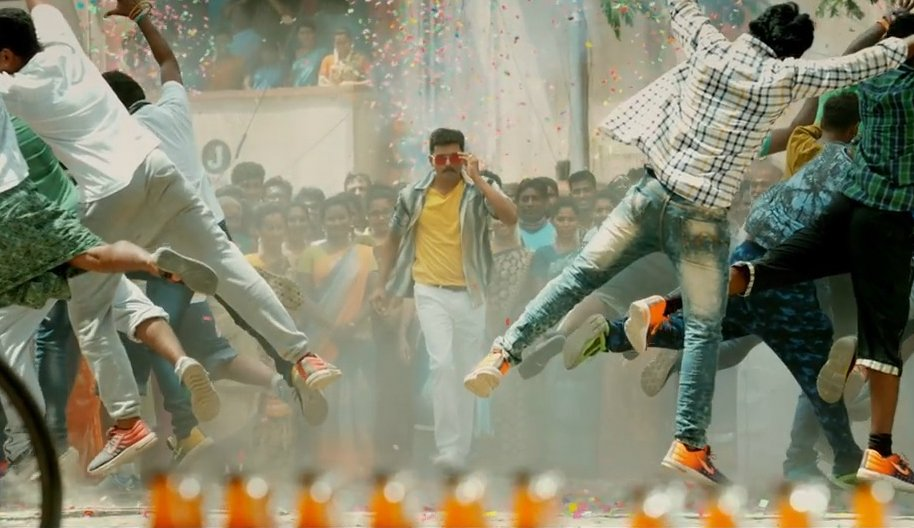 #BJP flays #Mersal 's take on GST, wants some scenes cut - @actorvijay @Atlee_dir -  https:// timesofindia.indiatimes.com/entertainment/ tamil/movies/news/bjp-objects-to-incorrect-references-on-gst-in-vijays-mersal/articleshow/61149816.cms &nbsp; … <br>http://pic.twitter.com/qmIOOwNsvx