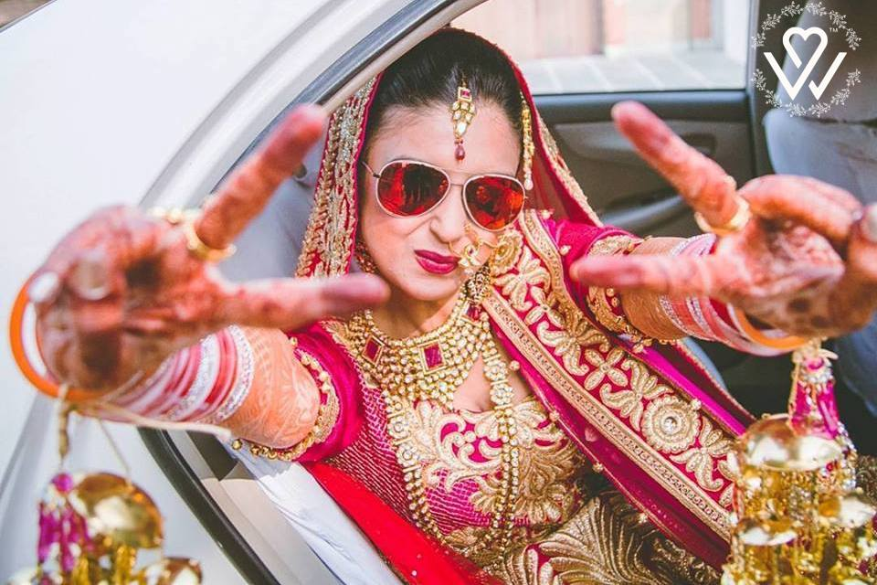 #Stylish #brides &amp; #crazy #Weddings make the #Best #Memories! TAG a BRIDE-TO-BE to for this #wedding #idea! #Flicker  #FridayFeeling<br>http://pic.twitter.com/gBsmHAt56Y