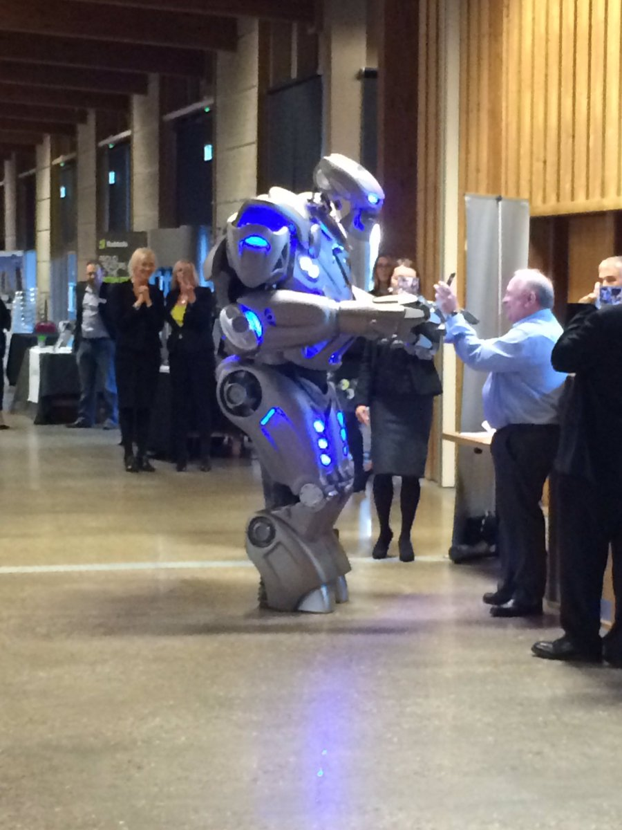 EMBRACE THE FUTURE. #technology #robotics. At the LEP Business Live Event <br>http://pic.twitter.com/1KivCDiptG