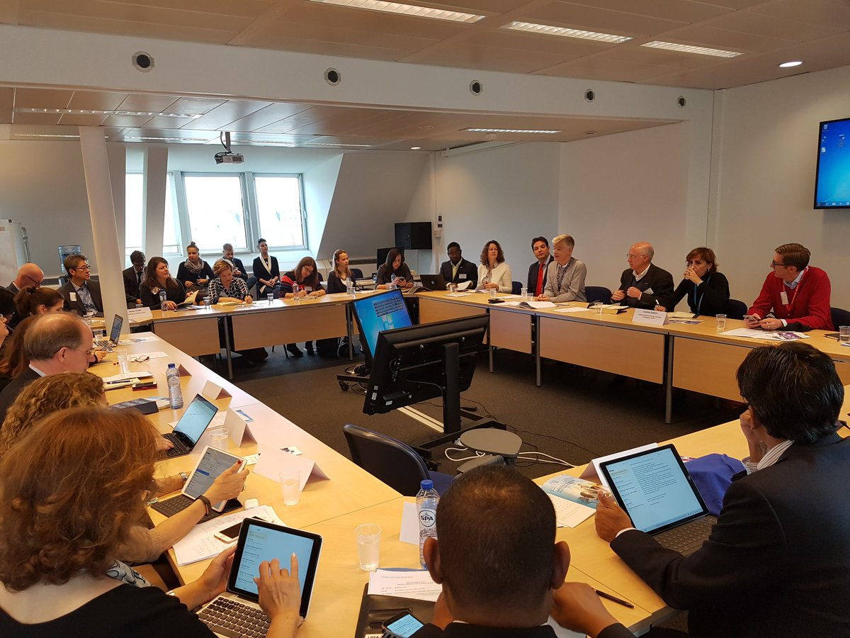 #Fulbright IEA at @EU_Commission DG Education and Culture :  Cooperation tools between EU and the US, including #ErasmusPlus <br>http://pic.twitter.com/C8FMHP9diH